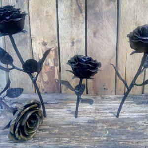 Рози от ковано желязо
