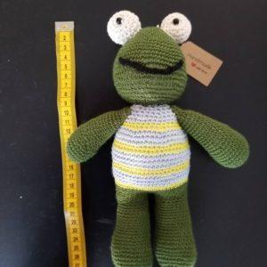 Играчка плетено жабче
