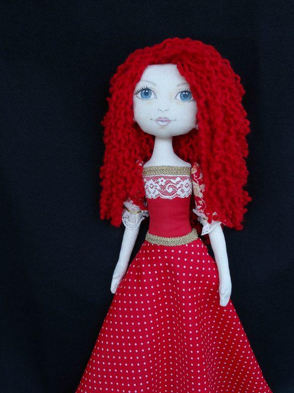 Елвира - текстилна кукла