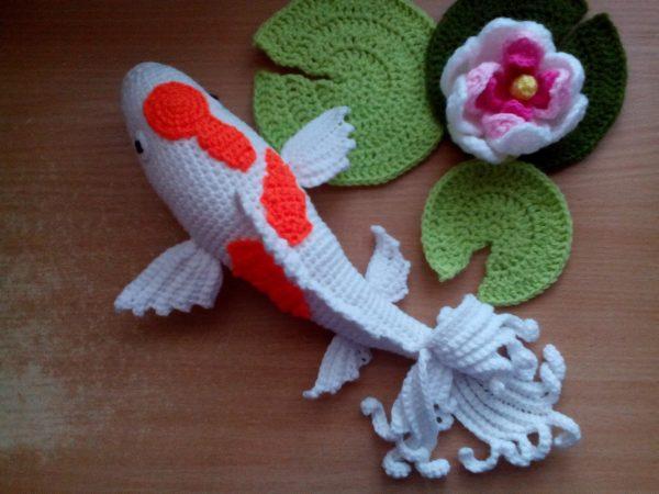 Плетени играчки - Японска рибка КОИ