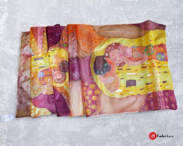 """Ръчно рисувани копринени шалове """"Целувката"""" по Климт по поръчка"""