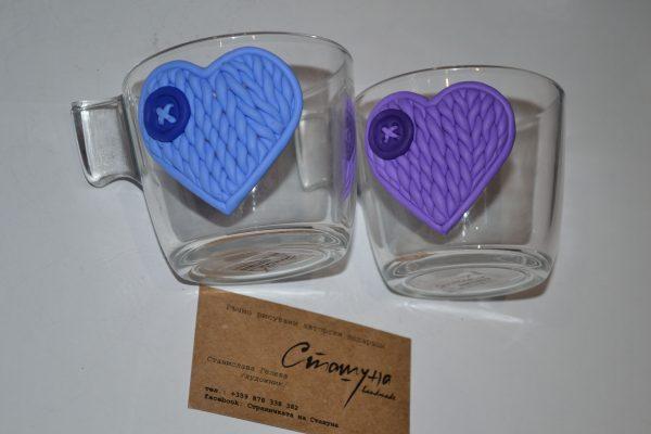 Комплект чаши за влюбени с декорация от полимерна глина