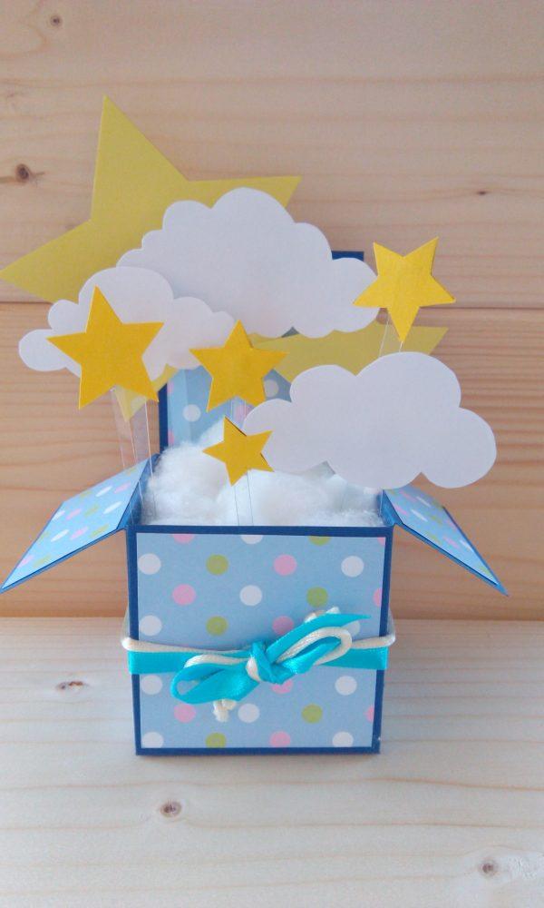"""Картичка - кутийка """"Облачета и звезди"""""""