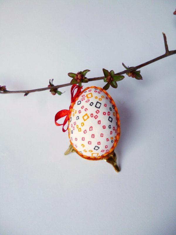 Великденско яйце с шевица