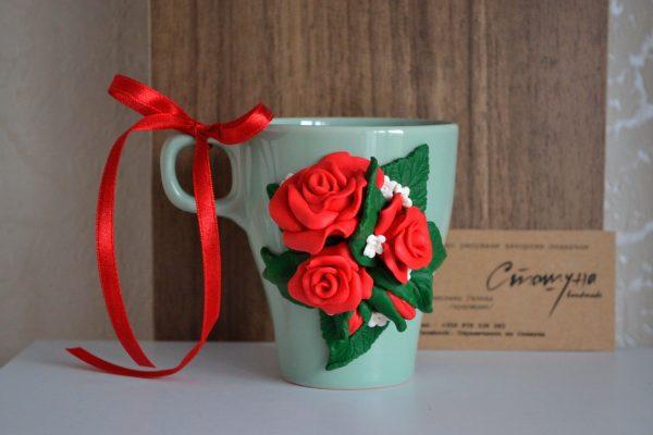 Чаша с ръчно направени цветя