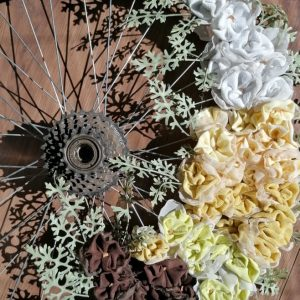 Декоративно цветно колело