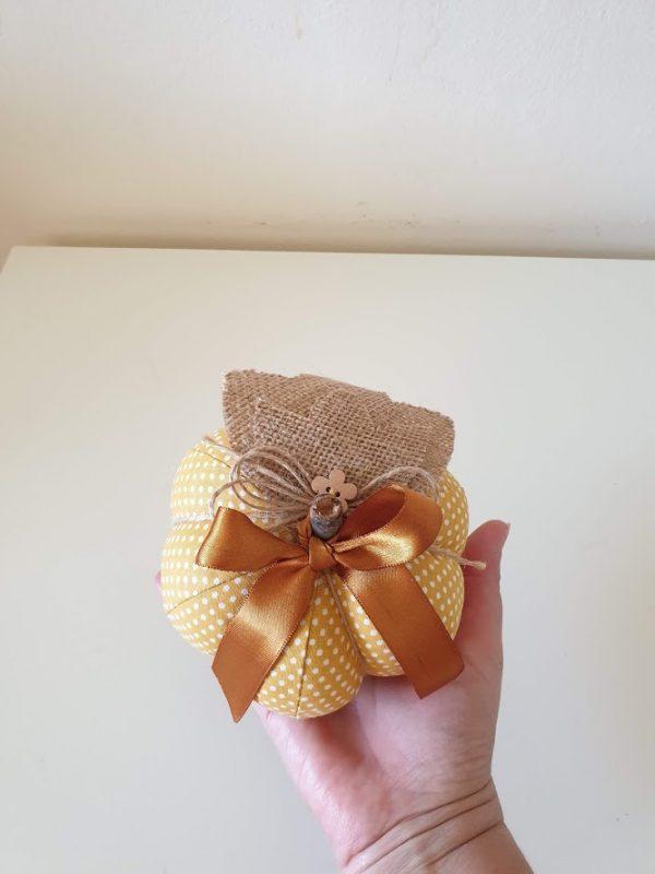 Текстилна тиква - 12 см.