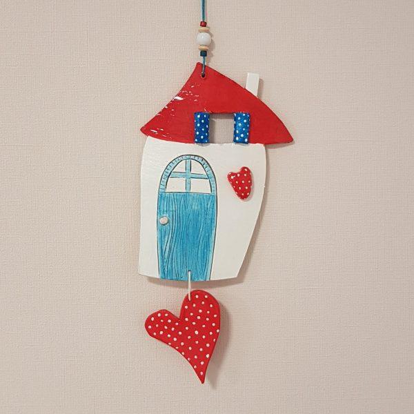 """Керамична къща """"Средиземноморие"""" с червено сърце"""