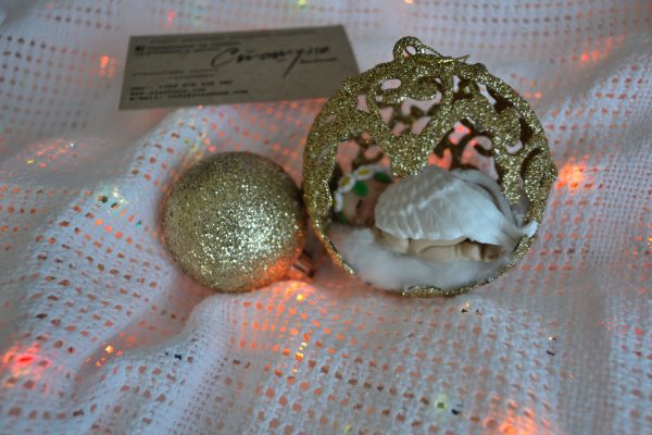 Коледни топки за елха с декорация от полимерна глина