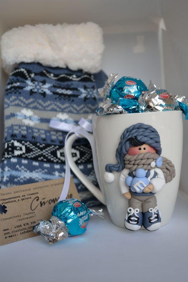 Коледен комплект с авторска чаша с декорация от полимерна глина