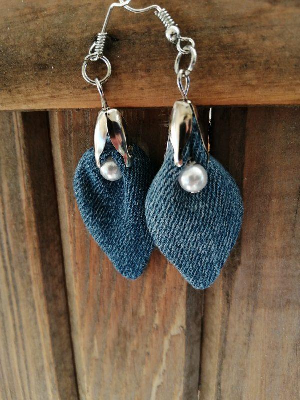 Обеци от дънков плат с изкуствени перли