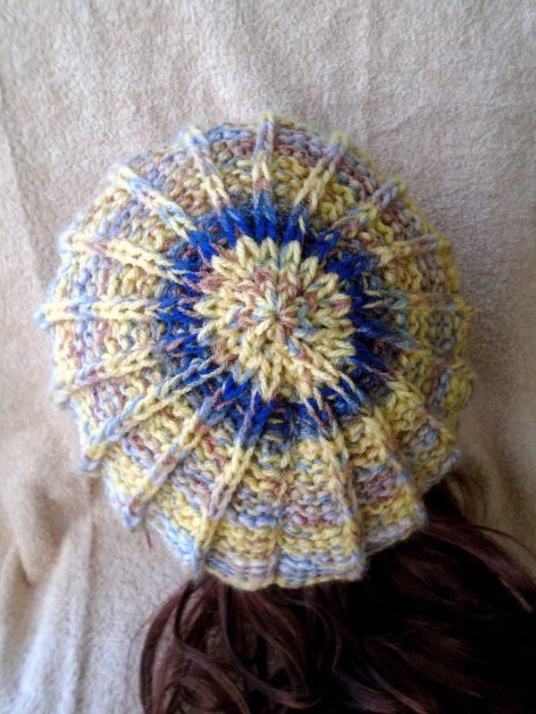 """Ръчно плетена шапка """"Планинско утро"""""""