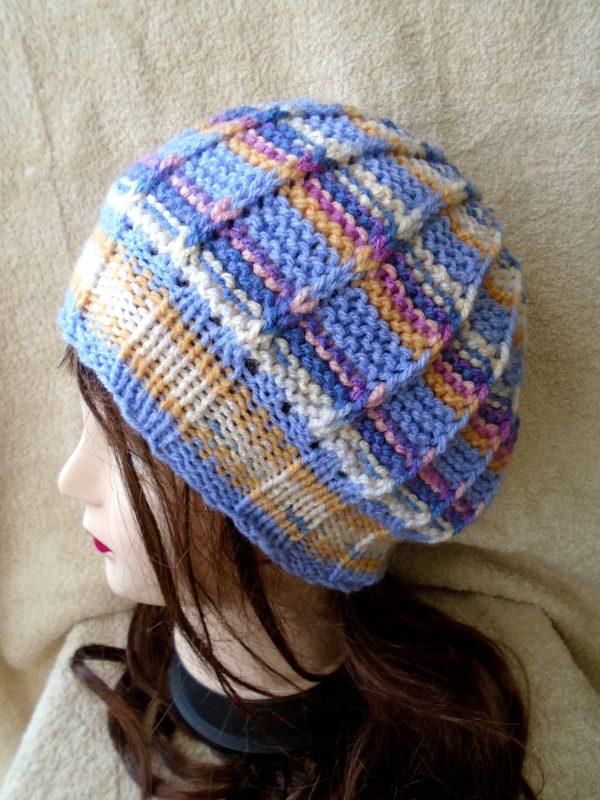 """Ръчно плетена шапка """"Люляк"""""""