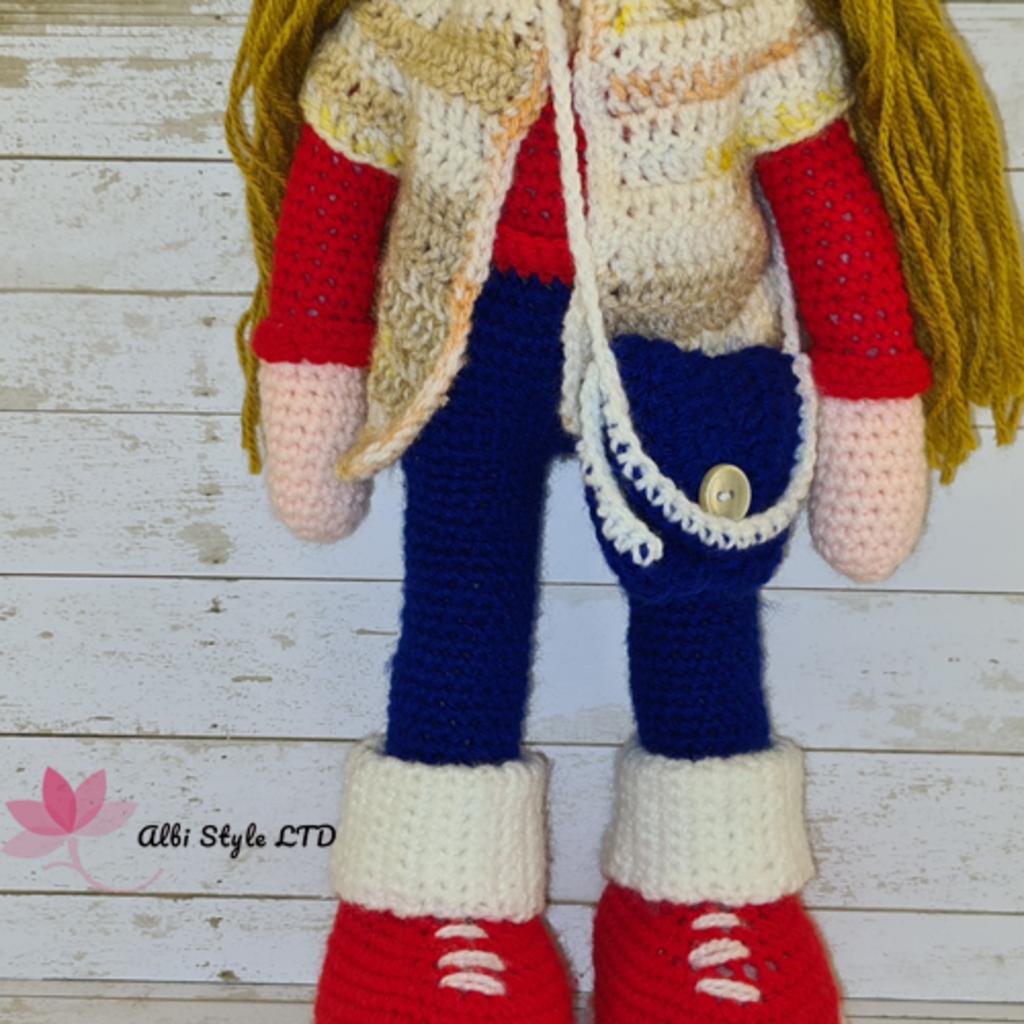 """Плетена кукла """"Ели"""" с шапка и ботушки"""