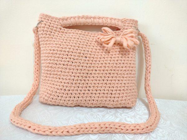 Плетена чанта на една кука