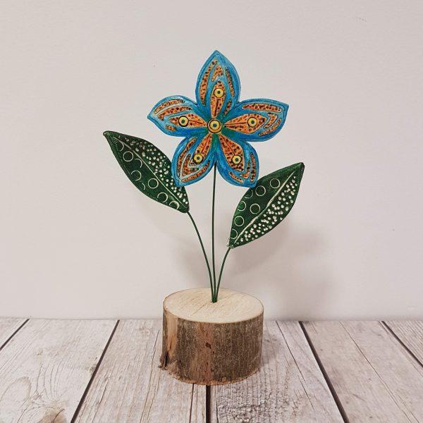 Керамично цвете с щипка 039