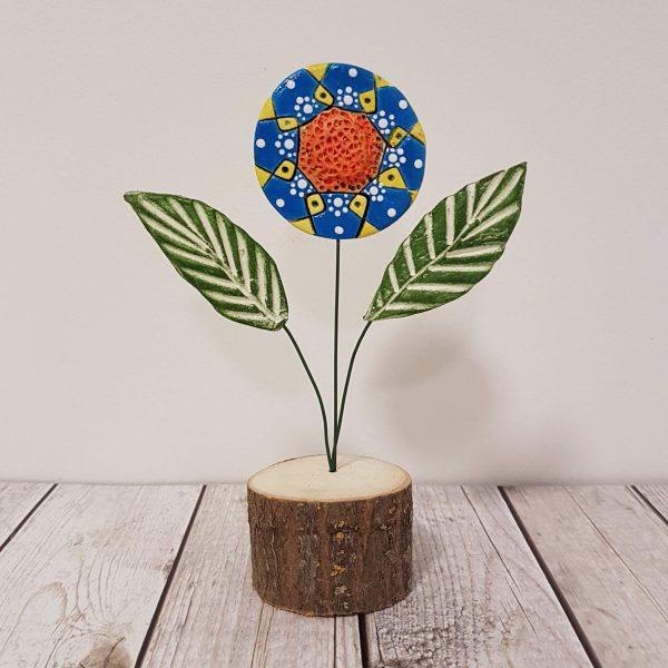 Керамично цвете с щипка 038