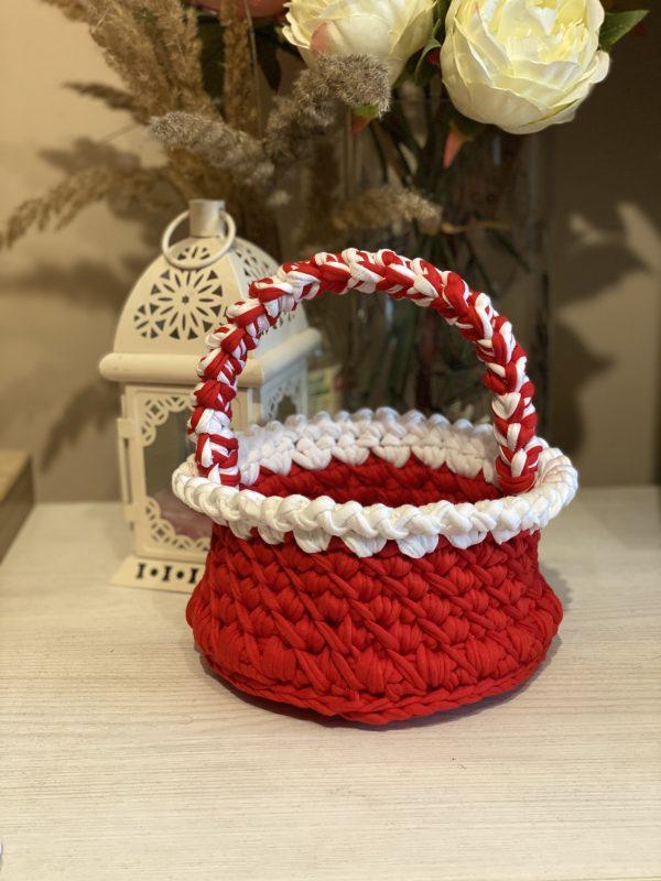 Плетена кошничка