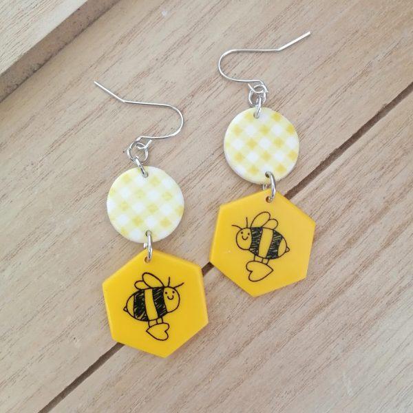 Обици пчели