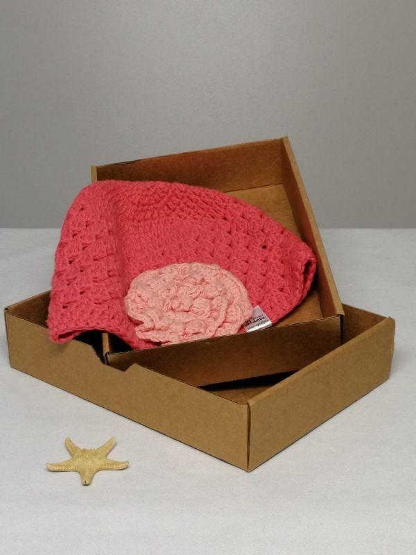 Дупчена памучна шапка