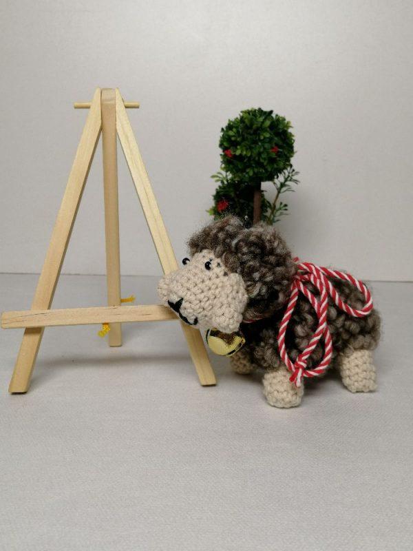Плетени овци с мартеница
