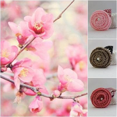 Сет от 3 пролетни брошки с ръчно изплетени цветя