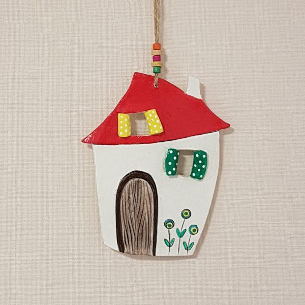 """Керамична къща """" Зелен прозорец на точки"""""""