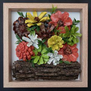 """Пано """"Цветя"""" от шишарки, ръчна изработка"""