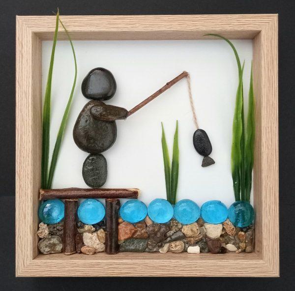 """Пано """"Рибар"""" от морски камъни"""