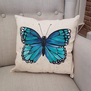 """Рисувана декоративна възглавничка """"Пеперуда"""""""