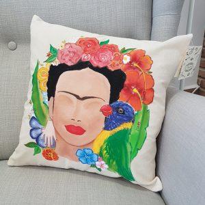 """Рисувана декоративна калъфка """"Фрида Кало с папагал"""""""