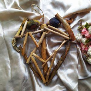 Декоративно сърце от натурални материали