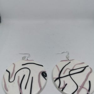 Обеци от полимерна глина със сребърна закачалка - бяло,черно,розов