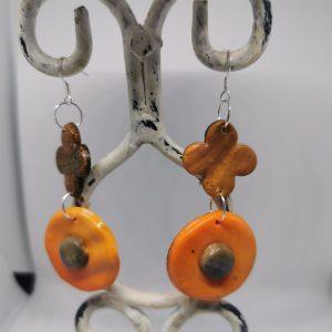 Обеци от полимерна глина със сребърна закачалка - цвят оранж