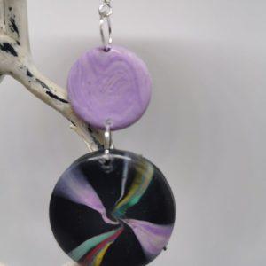 Обеци от полимерна глина със сребърна закачалка - цвят лилаво и черно